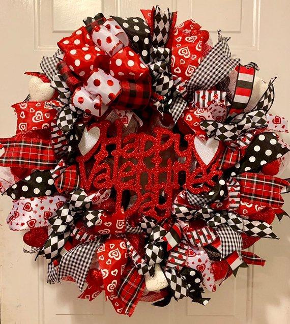 15 Enchanting Handmade Valentine's Day Wreath Designs You'll Love
