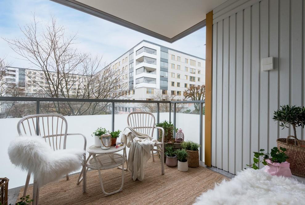 15 Wonderful Shabby Chic Balcony Designs With Plenty Of Greenery