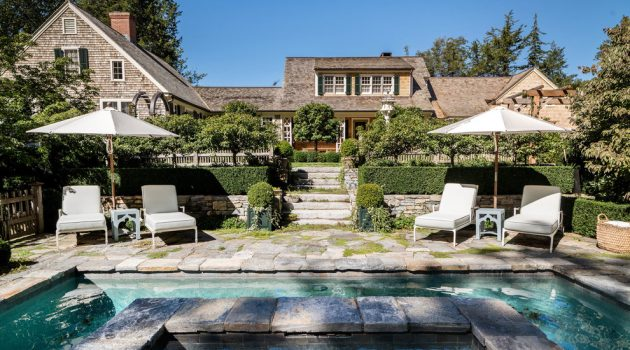 16 Outstanding Shabby-Chic Swimming Pool Designs You're Gonna Love