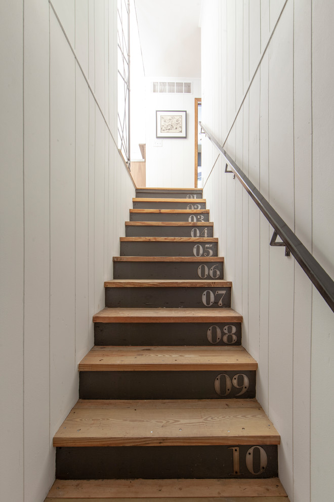 Stunning Farmhouse Staircase Designs That Will Blow