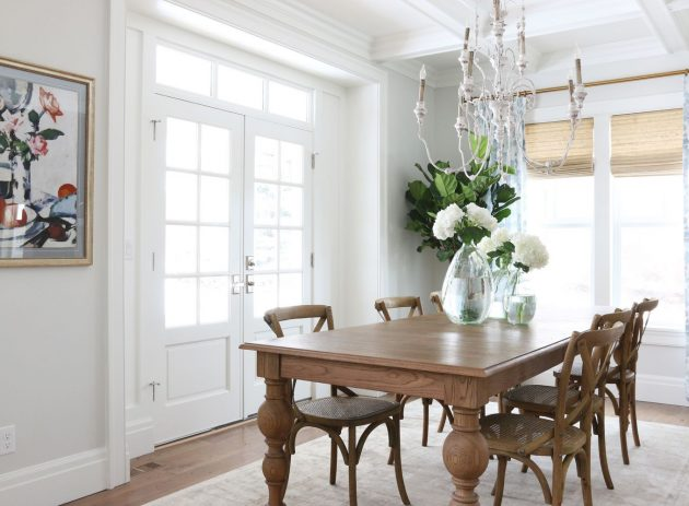 White Chandelier In The Dining Room- 12 Extravagant Ideas
