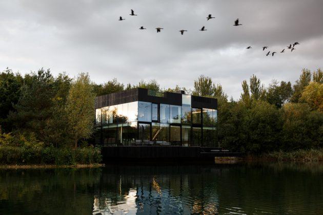 Glass Villa by Mecanoo in Lechlade, United Kingdom