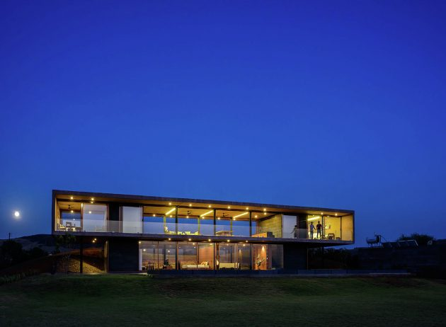 Panorama House by Ajay Sonar in Nashik, India