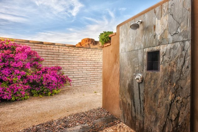 14 Epic Photos That Will Make You Want An Outdoor Shower