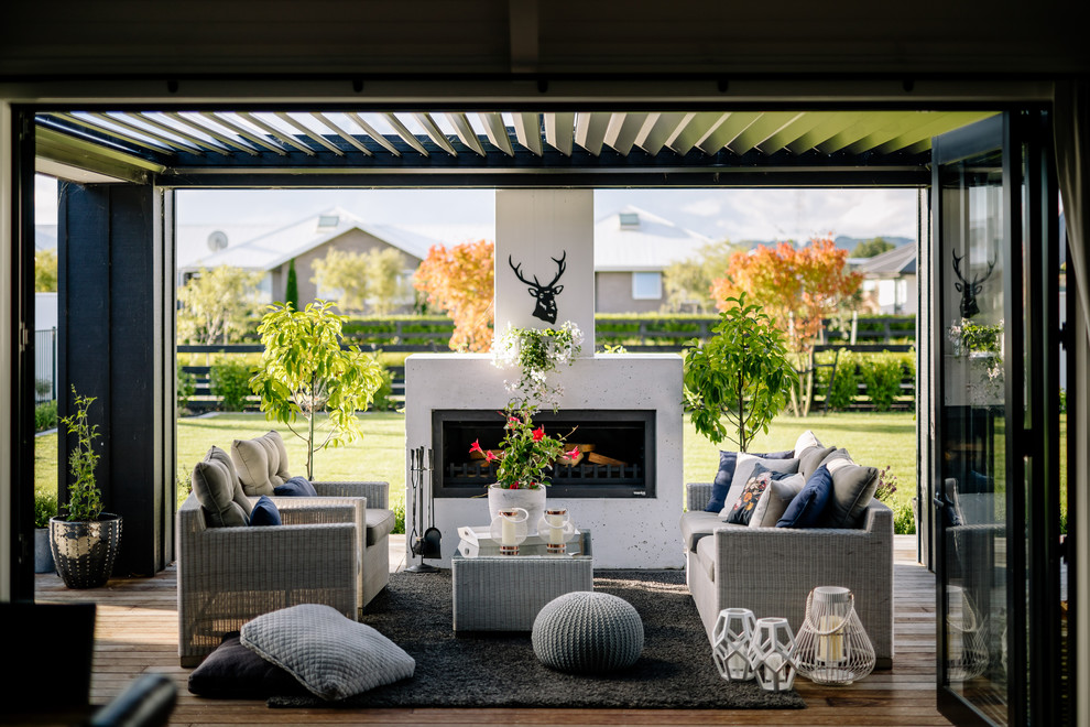 16 Amazing Farmhouse Deck Designs That Will Serve You Forever