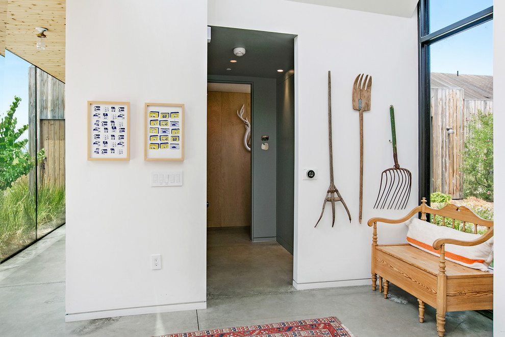 15 Farmhouse Entry Hall Designs That Will Give You A Warm Welcome
