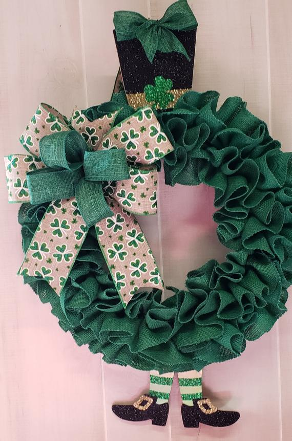 18 Stunning Handmade St. Patricks Day Wreath Designs That Bring You Luck