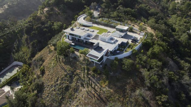 Benedict Canyon Residence by Whipple Russel Architects in Beverly Hills