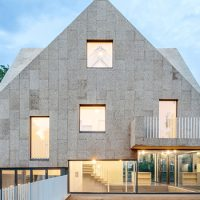 Cork Screw House by Rundzwei Architekten in Berlin, Germany