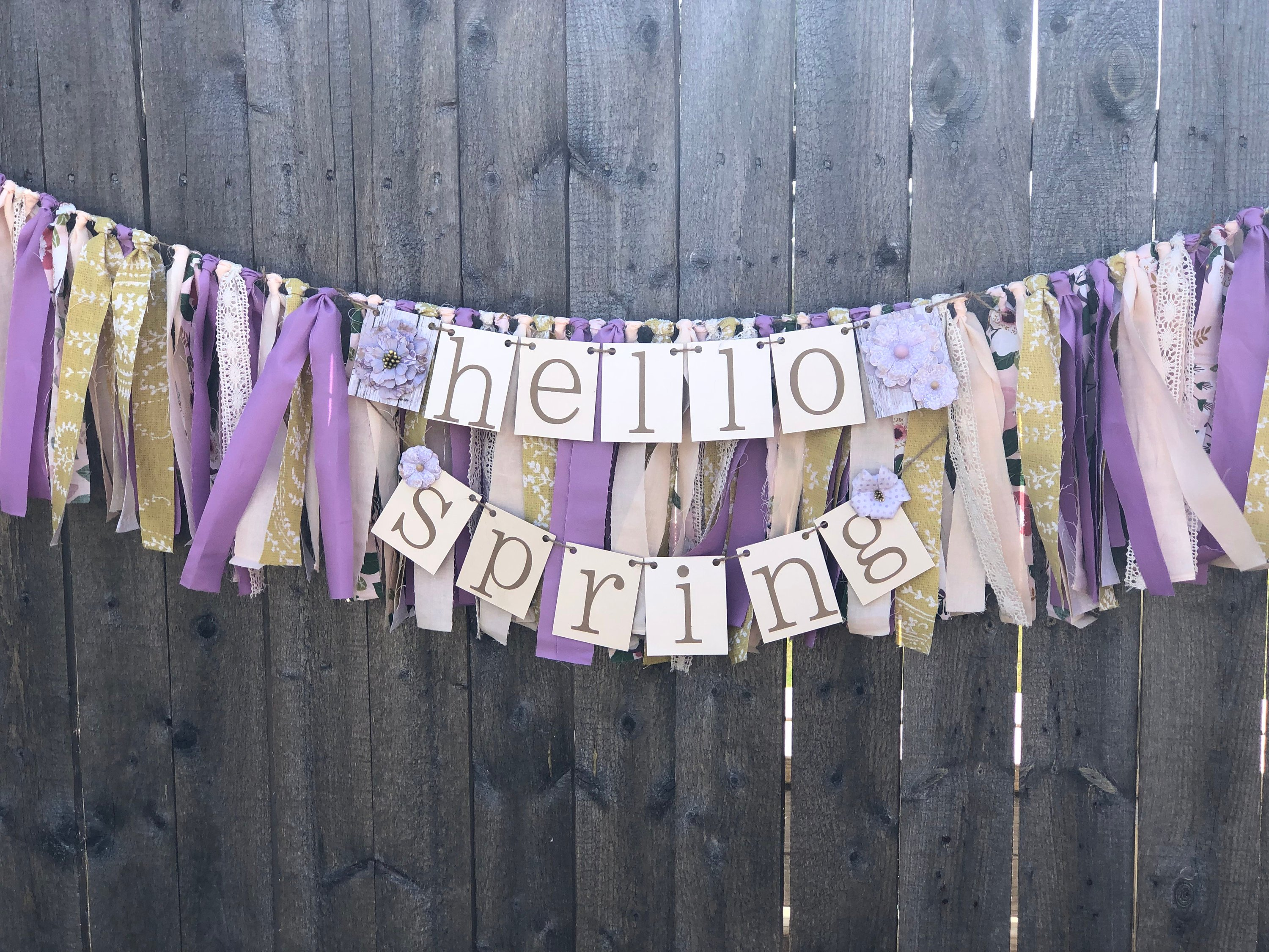 15 Beautiful Handmade Spring Banner Designs Your Decor Needs