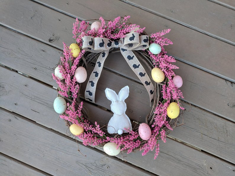 15 Cheerful Handmade Easter Wreath Designs For The Upcoming Holiday