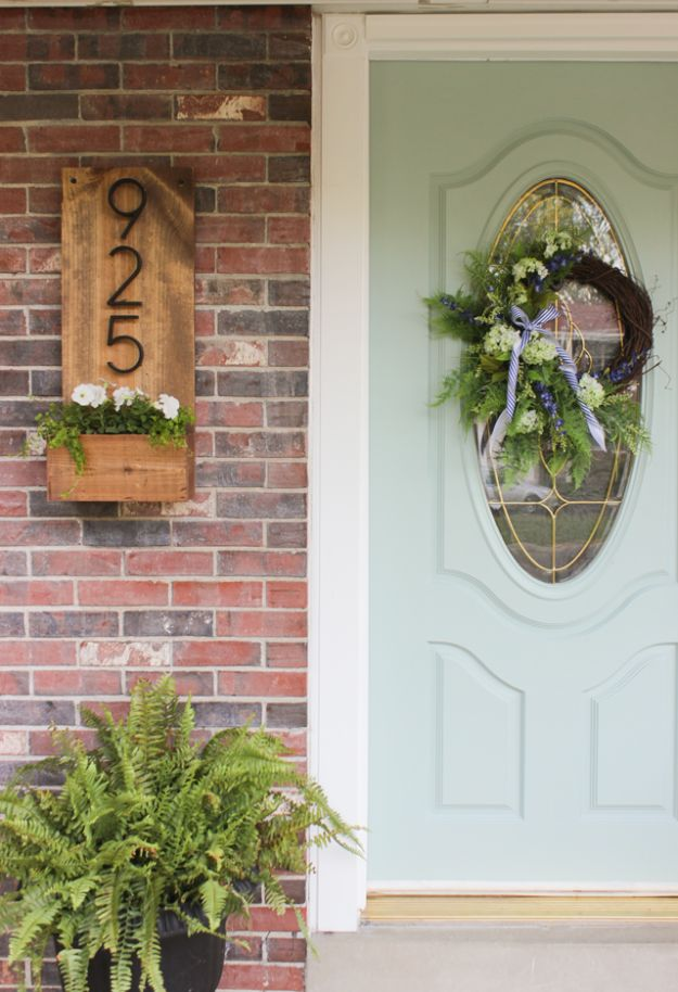 15 Eye-Catching DIY Sign Ideas You'd Love To Decorate Your Home With