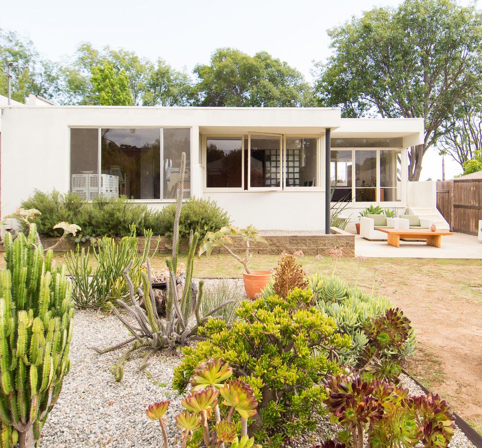 15 Superb Mid Century Modern Landscape Designs For Your Garden