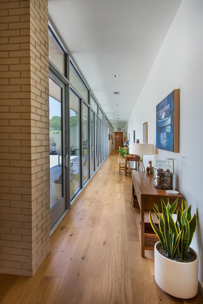 16 Fantastic Mid Century Modern Hall Designs That Will Make You Love Em