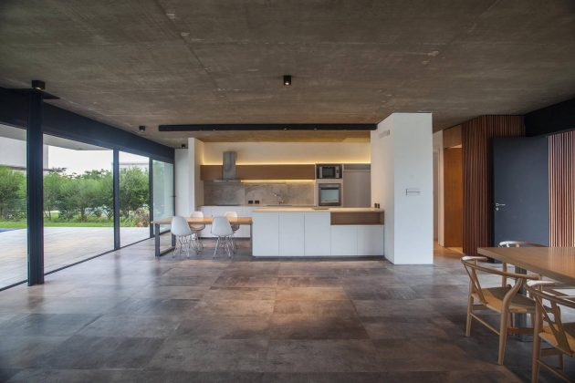 AC House by Estudio GM ARQ in Tigre, Argentina