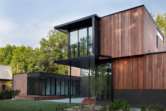 Baulinder Haus by Hufft Projects in Mission Hills, Kansas