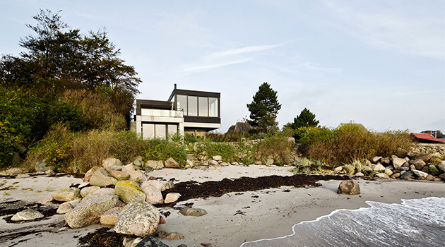 Casa Spodsbjerg by Christoffersen & Weiling Architects in Denmark