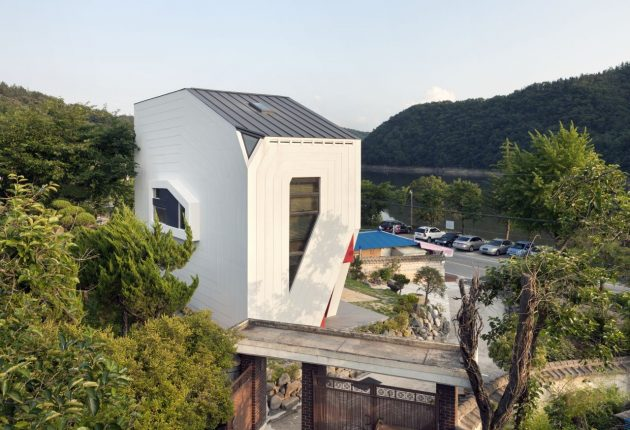 Conan House by Moon Hoon in Bangdong, South Korea