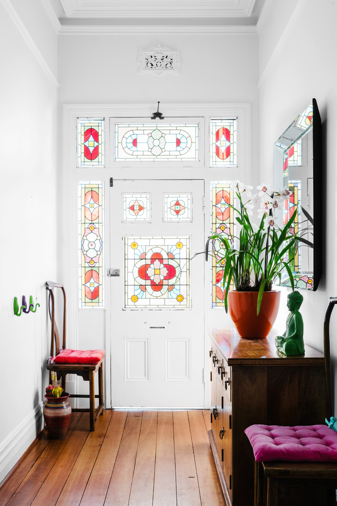 16 Warm & Welcoming Victorian Entry Hall Interiors You Must See
