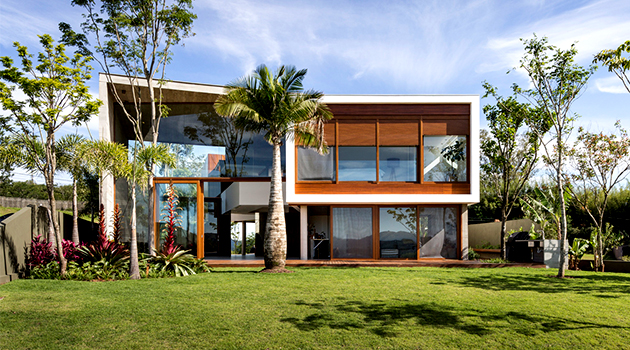 Angular House by Stemmer Rodrigues Arquitetura in Porto Alegre, Brazil