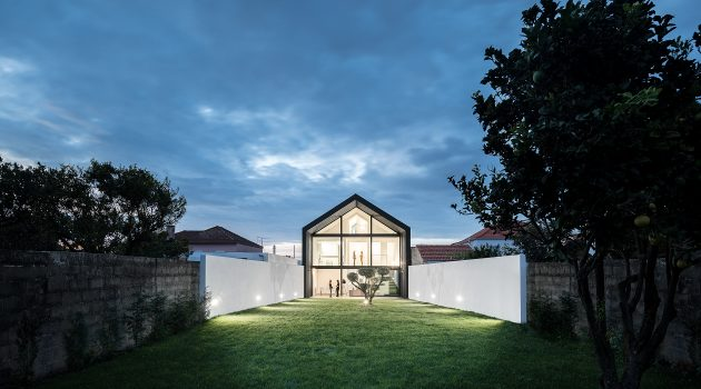 Arch House by FRARI – Architecture Network in Aveiro, Portugal