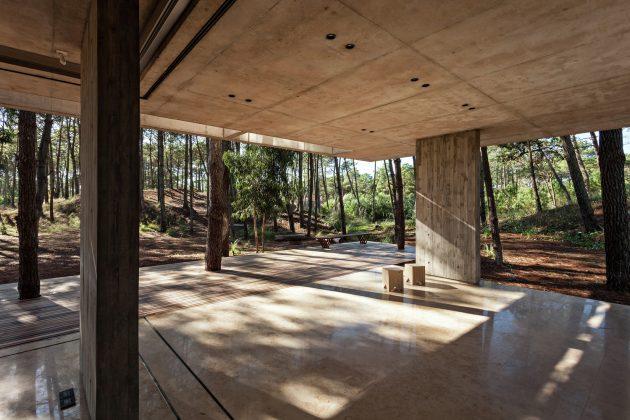 Marino House by ATV Arquitectos in Pinamar, Argentina