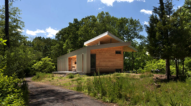 Ridge House by GriD Architects in Berkeley Springs, West Virginia