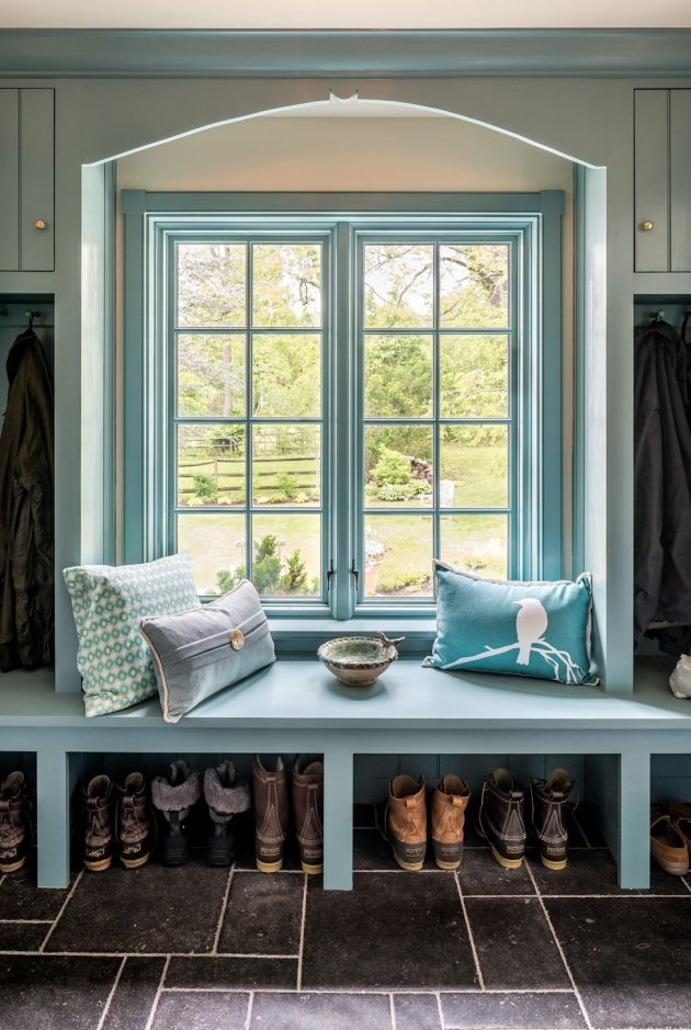 10 Smart and Stylish Mudroom Ideas