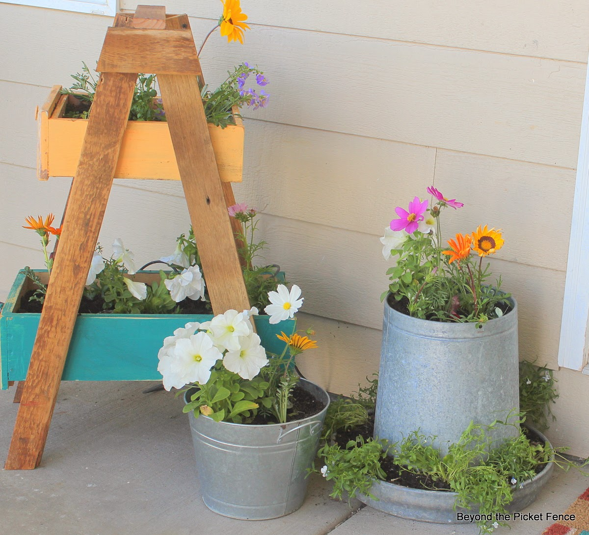 15 Beautiful DIY Garden Projects You Need To Craft This Spring