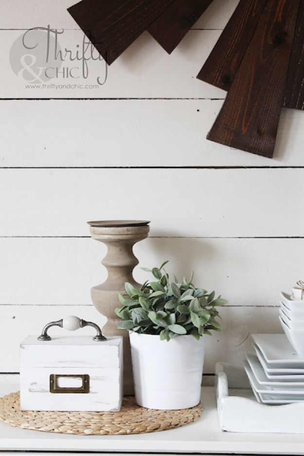 15 Lovely DIY Farmhouse Decor Ideas You'll Want To Make Right Now