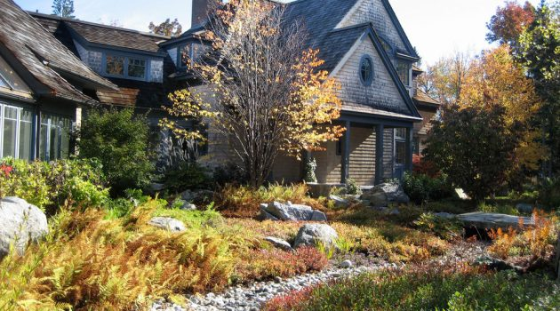 15 Lush Victorian Landscape Designs That Will Take Your Breath Away