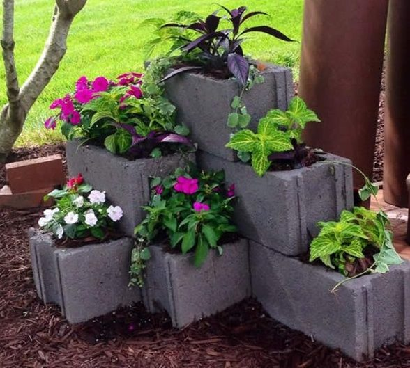 19 Cool Cinder Block Planters That Everyone Can Make