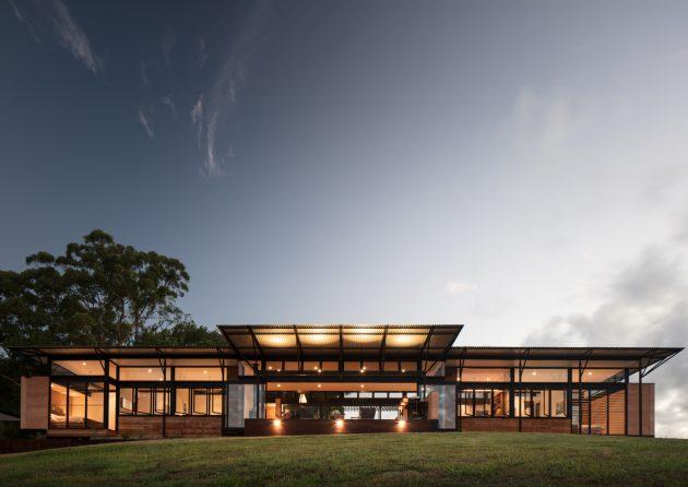 Avonlea House by Robinson Architects in Eumundi, Australia
