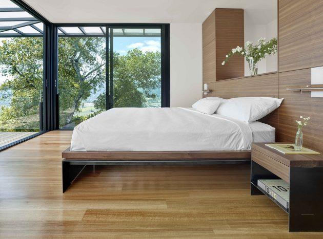 RidgeView House by Zack de Vito Architecture + Construction in California, USA