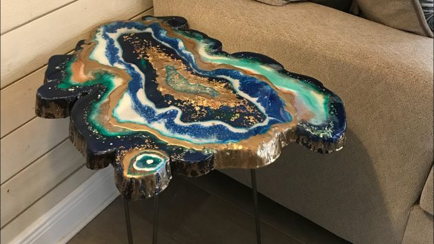 Mesmerizing Resin Tables Design Looking Like Giant Geode Slices
