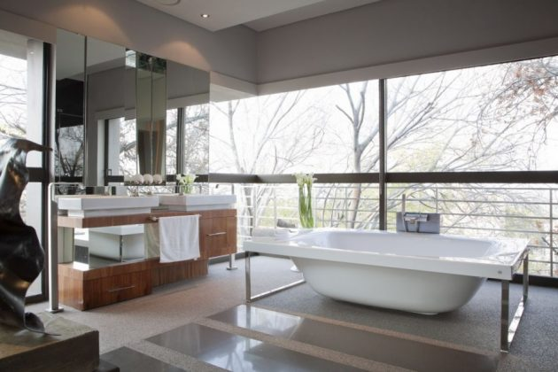 Five Smart Modern Bathroom Design Features You'll Love