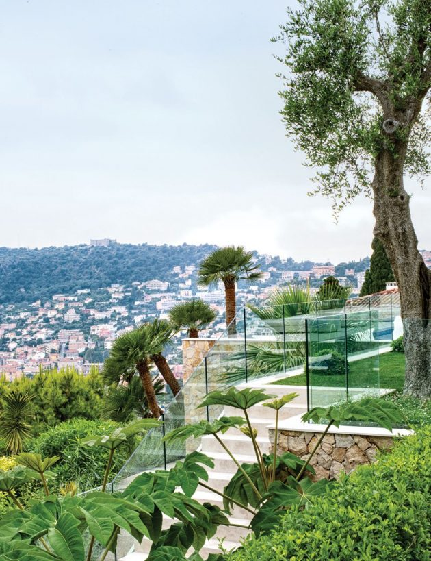 The Fabulous 'Back to the Future' Retreat of Fashion Designer Lisa Perry on the French Riviera