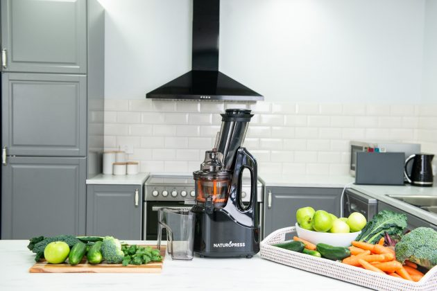 How to Choose the Right Juicer for Your Kitchen?