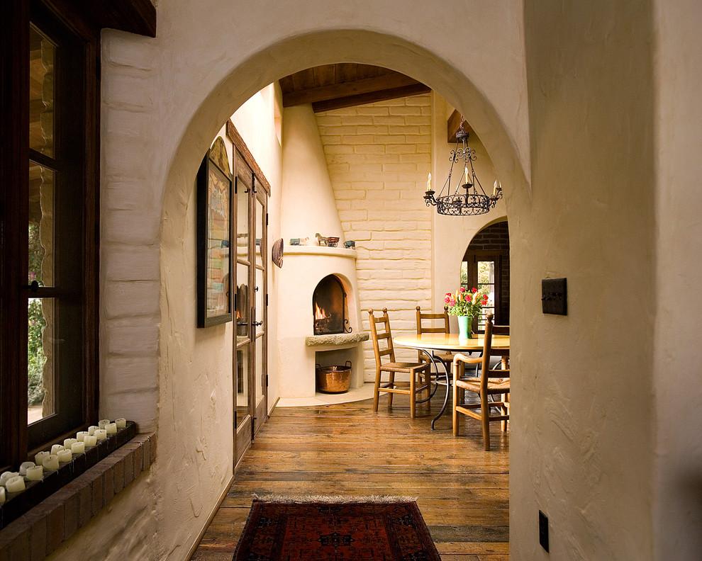 15 Amazing Southwestern Hallway Designs You Gotta Love