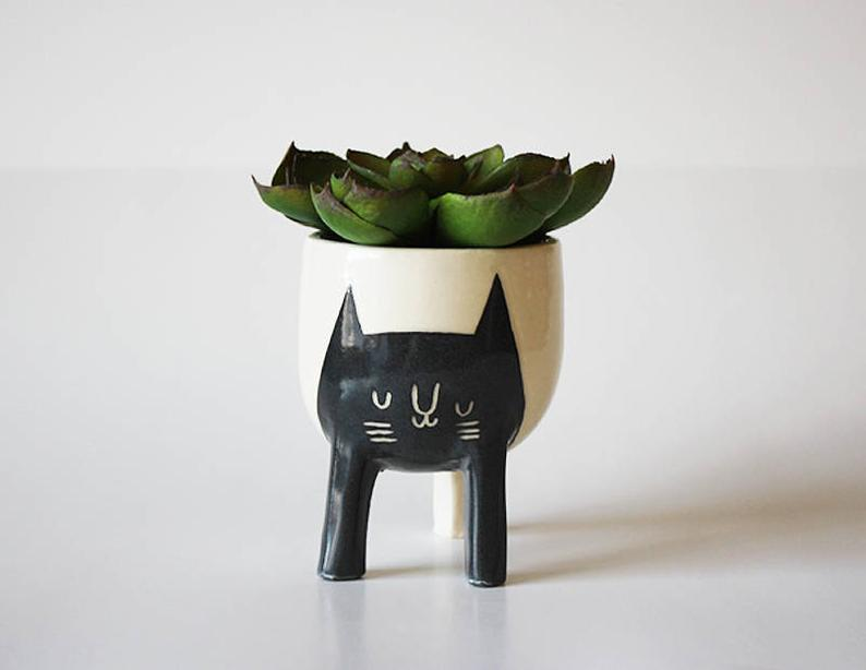 15 Cute Handmade Planter Ideas For Indoor And Outdoor Decor