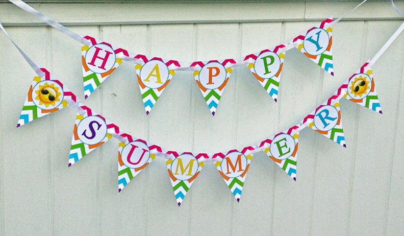 15 Incredibly Cute Handmade Summer Banner Designs For The Garden