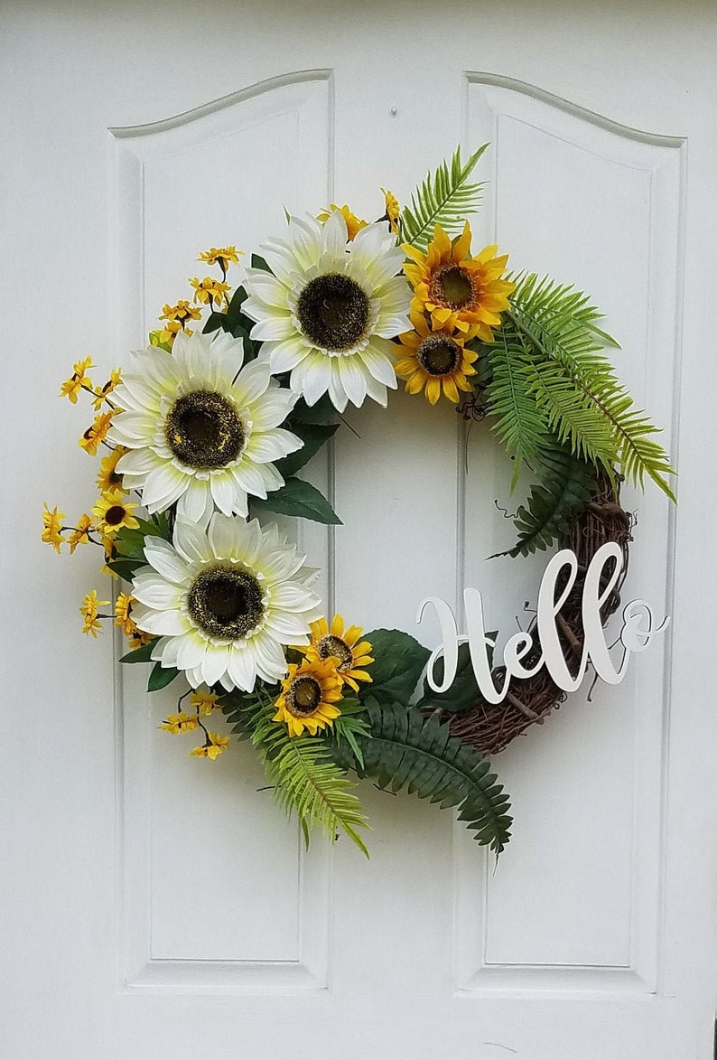 15 Refreshing Handmade Floral Summer Wreath Designs Youve Gotta Hang