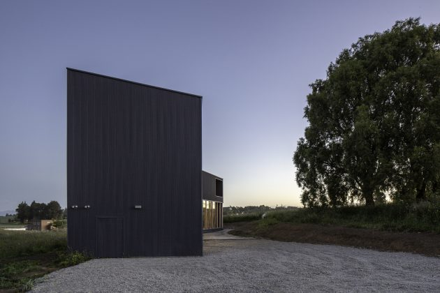 Maitenes House by Ignacio Correa in Puerto Montt, Chille
