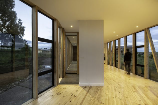 Maitenes House by Ignacio Correa in Puerto Montt, Chille