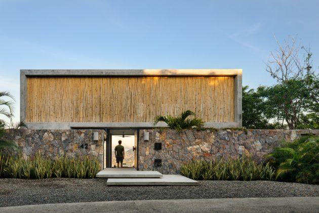 Z House by Zozaya Arquitectos in Zihuatanejo, Mexico