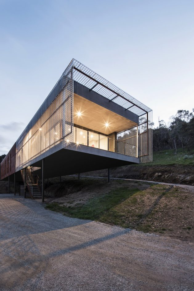 Mount Macedon House by Field Office Architecture in Melbourne, Australia