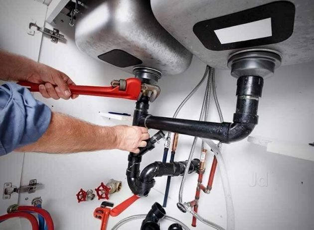 Choosing The Right Plumber In An Emergency
