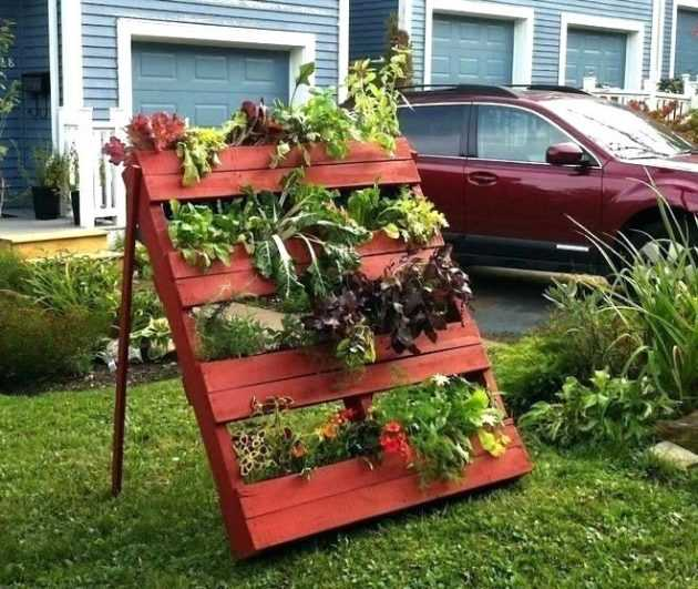 16 Tremendous DIY Garden Decorations That You Havent Seen Before