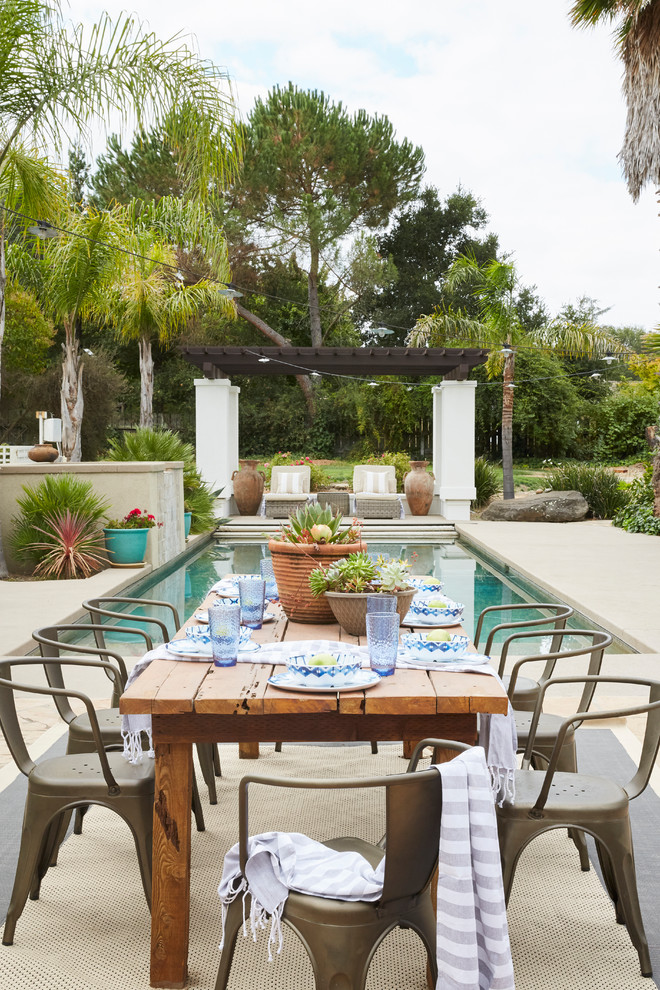 15 Jaw Dropping Mediterranean Patio Designs That Will Take Your Breath Away