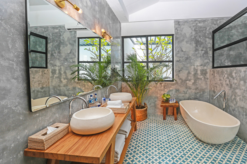 15 Spectacular Tropical Bathroom Designs That Will Take Your Breath Away